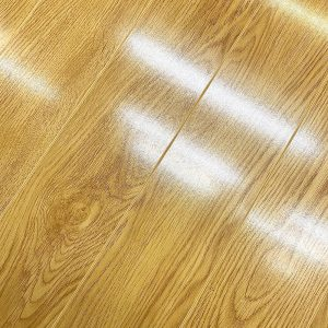 varnished gloss oak natural floor